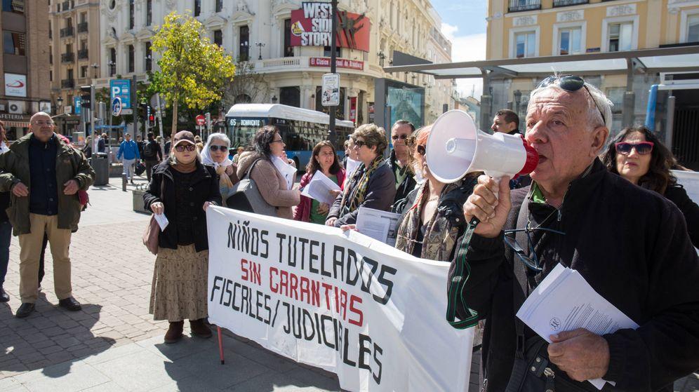 Foto: Protesta en Madrid de padres que han perdido la tutela de sus hijos. (David Brunat)