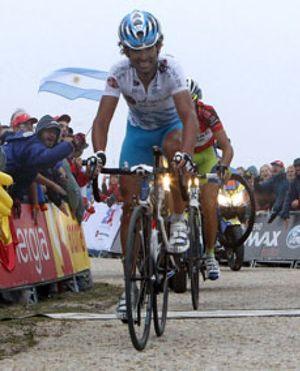 Ezequiel Mosquera vence en la Bola del Mundo pero el italiano Nibali sentencia la Vuelta