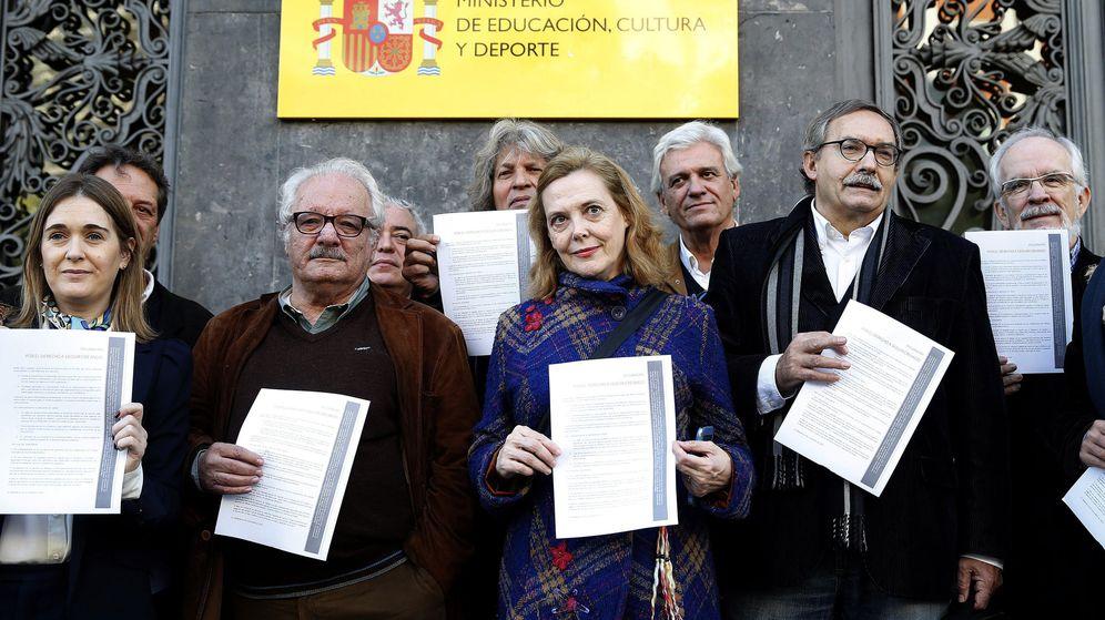 Los creadores piden paralizar los procesos contra los mayores de 65