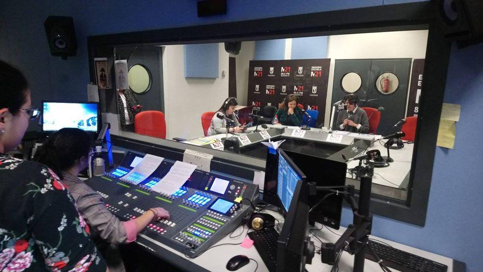 Foto: Uno de los programas de M21 Radio.