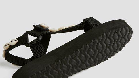 Ve a Pull and Bear si quieres unas sandalias tan cómodas como unas zapatillas deportivas