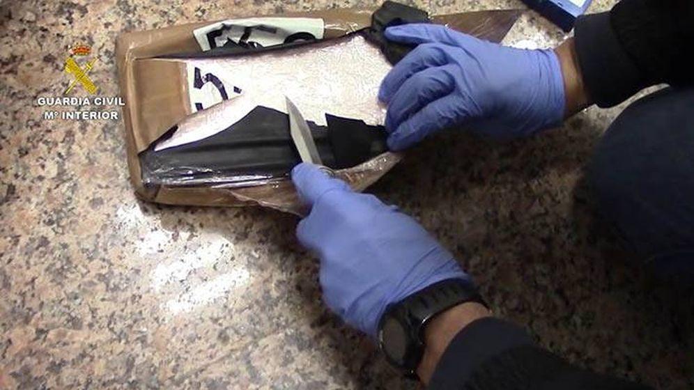 Foto:  Uno de los paquetes de droga incautados en la operación en el puerto de Algeciras.