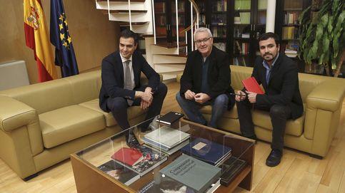Lara apremia a IU a decidir si vuelve a la negociación bilateral con el PSOE
