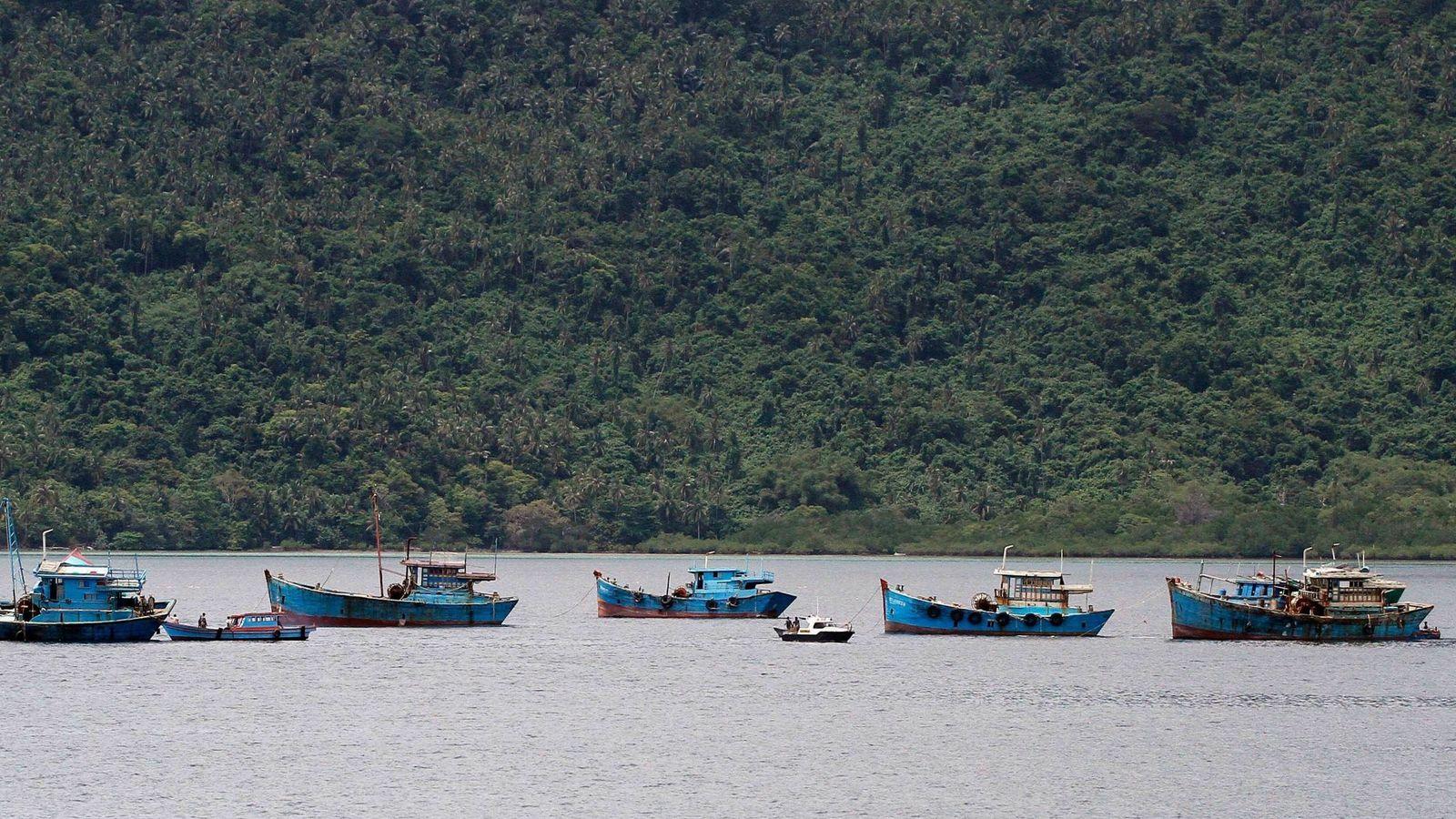 Foto: Indonesia hundió 17 barcos pesqueros ilegales en sus aguas el año pasado (Reuters)