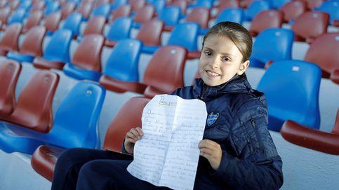 Una niña escribe a Panini para que haga un álbum de cromos de fútbol femenino