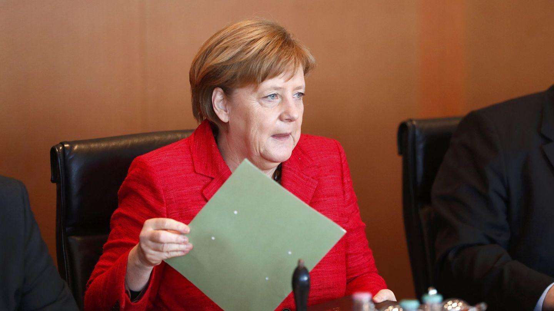 Angela Merkel se reúne con su gabinete en Berlín, el 29 de marzo de 2017. (Reuters)