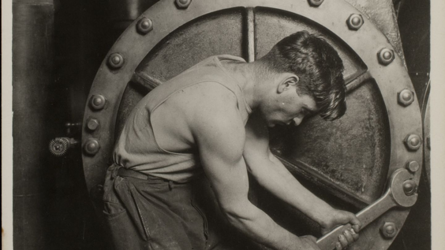 Lewis w. hine, mechanic at steam pump in electric power house, 1920. transfer from photo league lewis hine memorial committee; ex?collection of corydon hine. © george eastman house collection