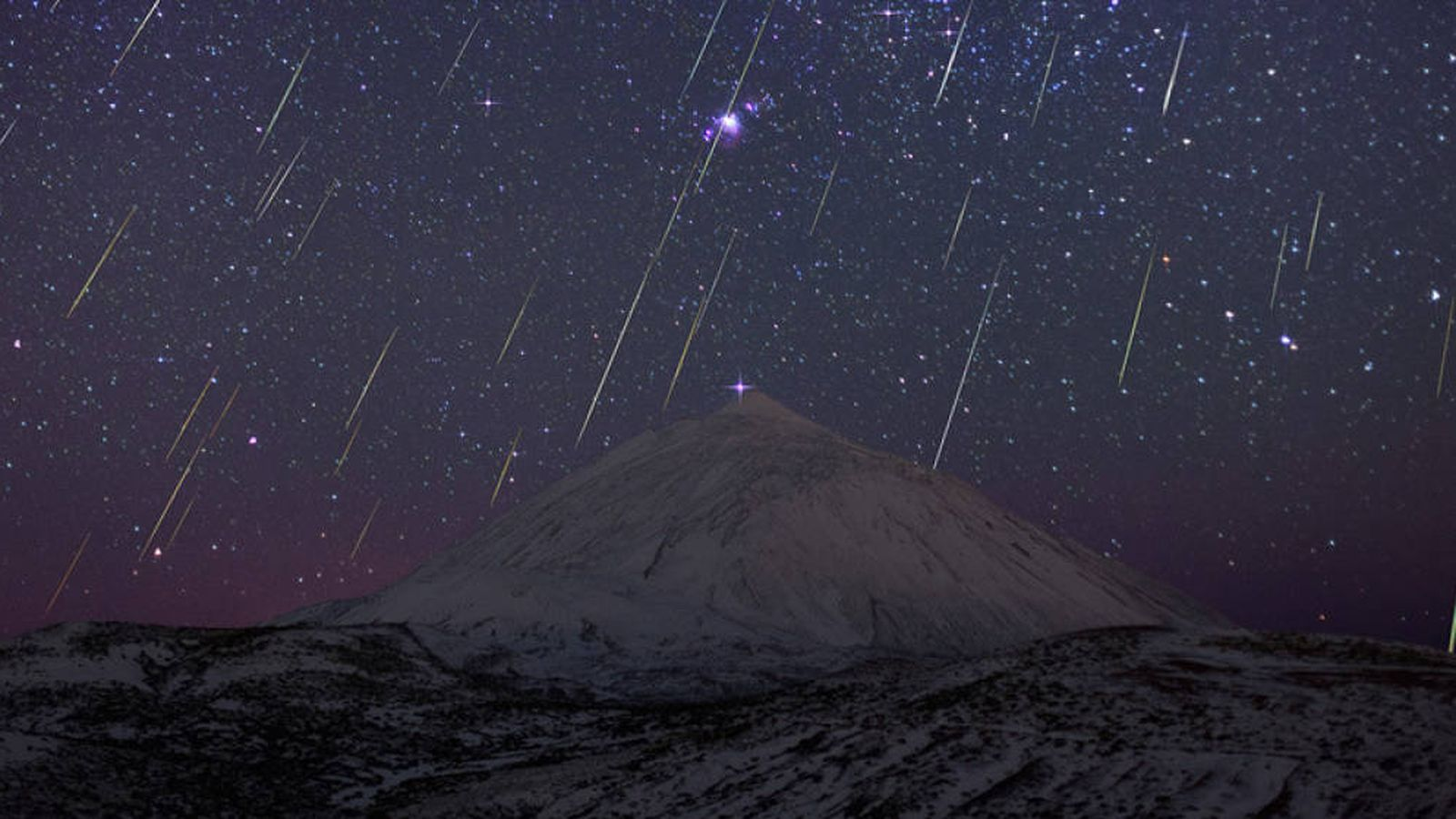 Foto: Una lluvia de estrellas, captada en 2013 por el astrofotógrafo Juan Carlos Casado.