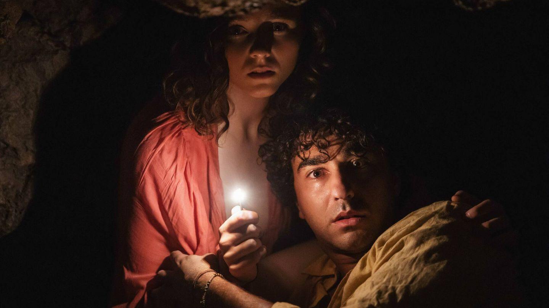 Thomasin McKenzie, junto a Alex Wolff, protagonista de 'Hereditary'. (Universal)