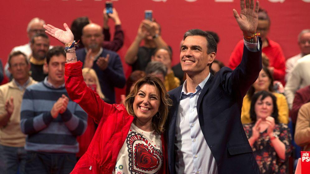 Foto: El presidente del Gobierno, Pedro Sánchez, y la secretaria general del PSOE-A, Susana Díaz (d), durante un acto de campaña. (EFE)