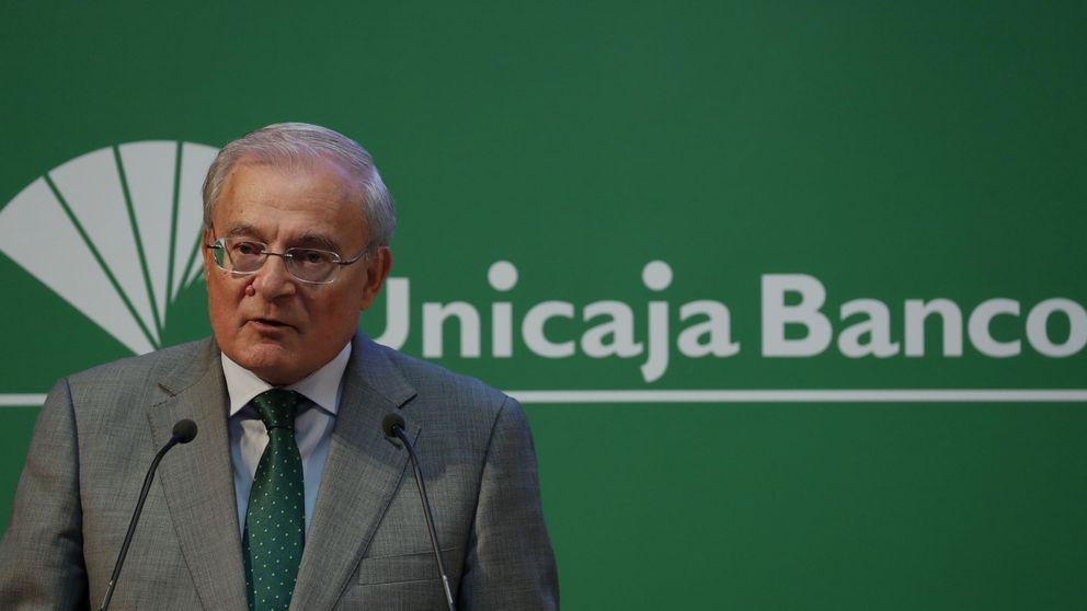 Unicaja negocia la venta de 3.700 hipotecas de morosos refinanciadas