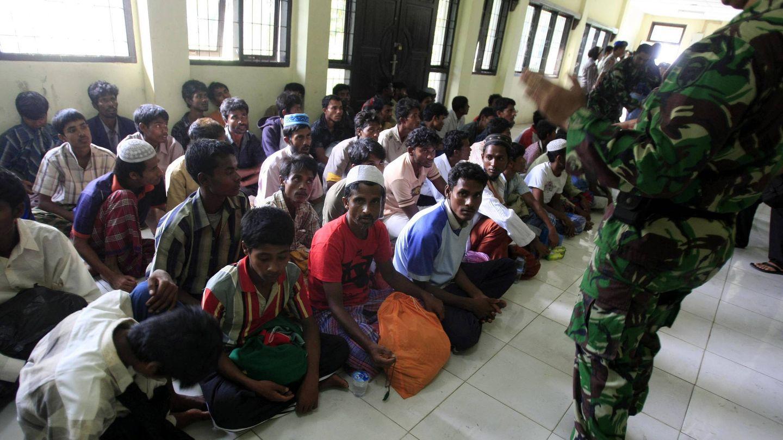 Más de 120 rohingyas rescatados cuando navegaban a la deriva en aguas de Indonesia (Efe).
