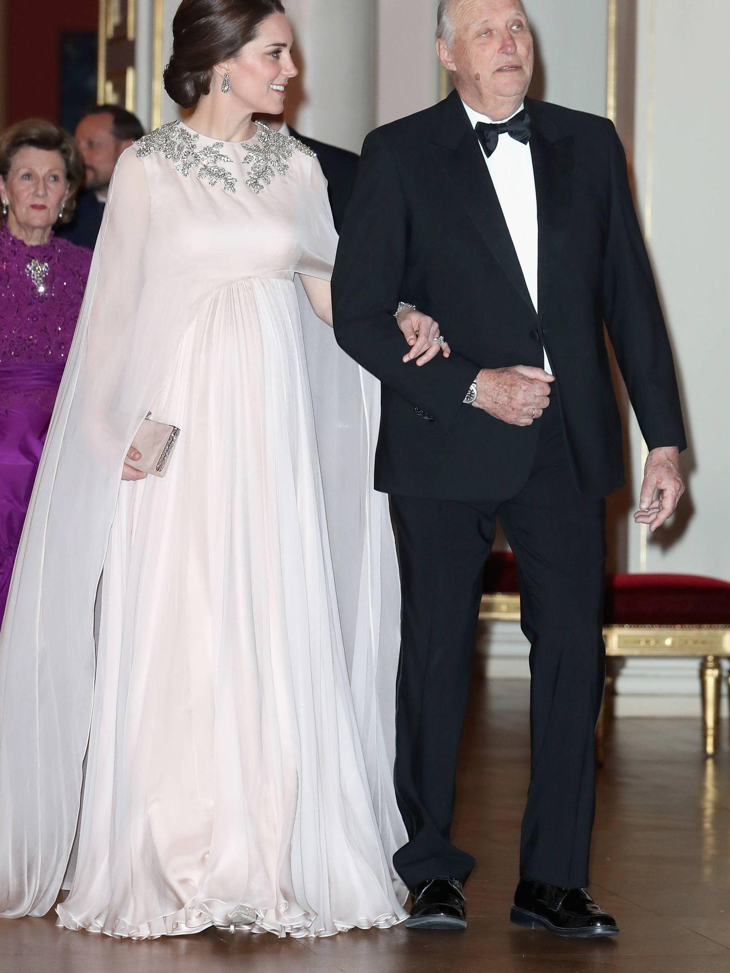 Con el rey Harald de Noruega. (Getty)