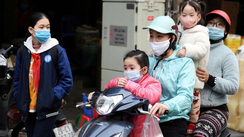 Una familia en Hanói (Vietnam). (Reuters)
