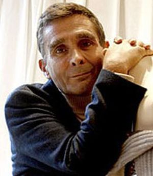 Carmen llorente los minoritarios piden a la cnmv que for Adolfo dominguez la arruga es bella