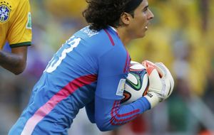 A la Brasil de Neymar le falta fútbol para meter miedo