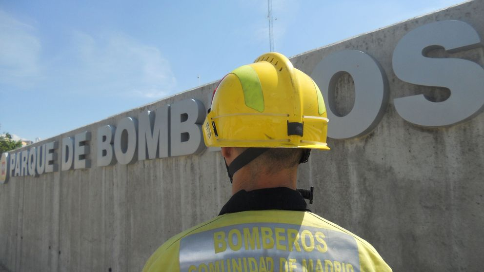 Cifuentes pone en marcha un parque de bomberos que Granados abrió en 2011