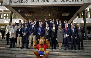 Los Hispanos parten hacia Qatar para defender el título mundial