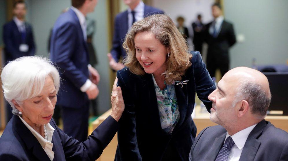 Foto: Nadia Calviño, junto a Christine Lagarde (BCE) y Pierre Moscovici (comisario). (EFE)
