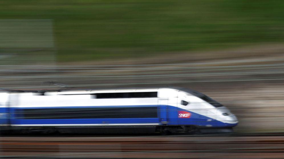 Foto: Las estatales Renfe y SNCF operan actualmente rutas desde Barcelona con Francia con trenes TGV. (Reuters)