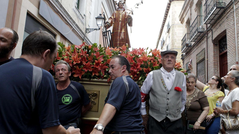 Procesión de San Lorenzo, en el barrio de Lavapiés, Madrid (EFE)
