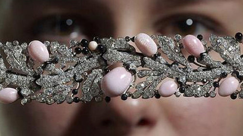 Brazalete de perlas y diamantes de Cartier (Reuters)