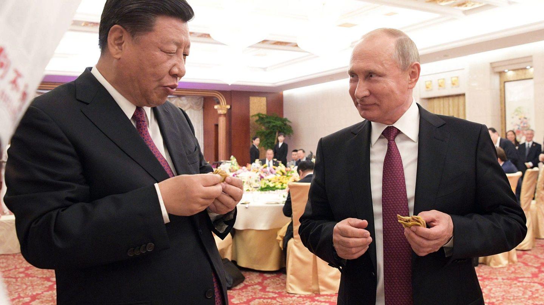 Putin habla con Xi durante su visita a Pekín en una cumbre euroasiática que prácticamente coincidió con el G7 de Canadá (EFE)