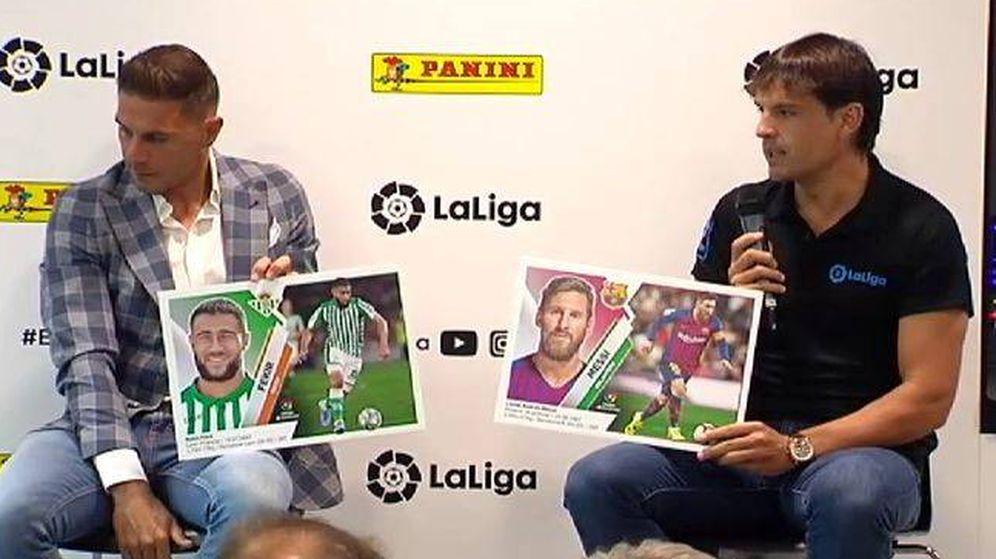 Foto: Morientes, junto a Joaquín, en la presentación de los cromos de LaLiga. (EFE)