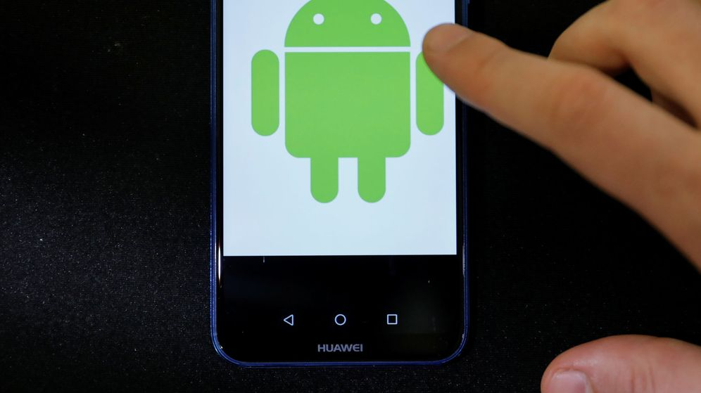Foto: Android logo is displayed on a huawei smartphone in this illustration picture