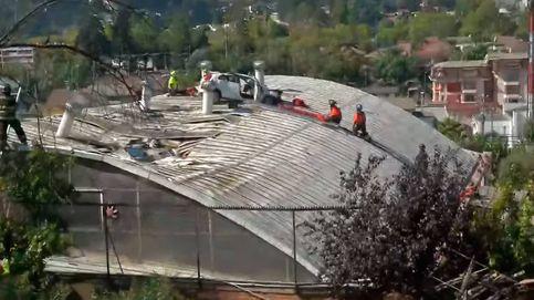 Un coche vuela 30 metros y aterriza en el tejado de un colegio en Chile
