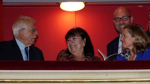 ¿Qué ministra española es adicta al teatro?