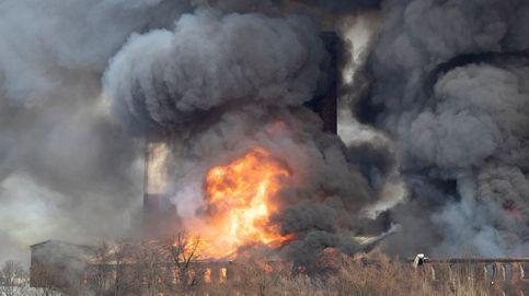 Incendio en la factoría Nevskaya de San Petersburgo (Rusia)