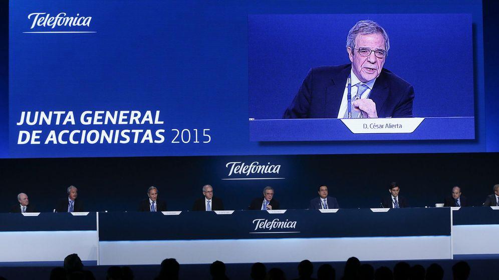 Foto: El presidente de Telefónica, César Alierta, durante la Junta de Accionistas de 2015. (EFE)