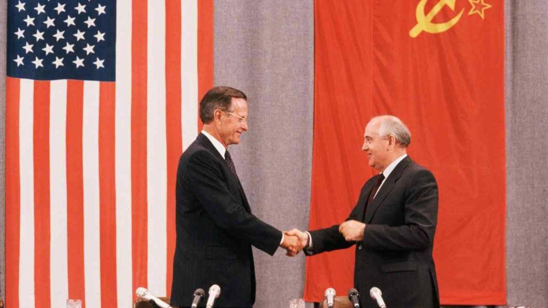 George Bush y Mijaíl Gorbachov