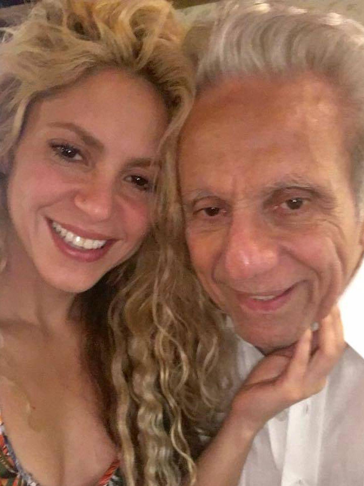 Shakira con su padre, William Mebarak, hace un año. (Facebook)