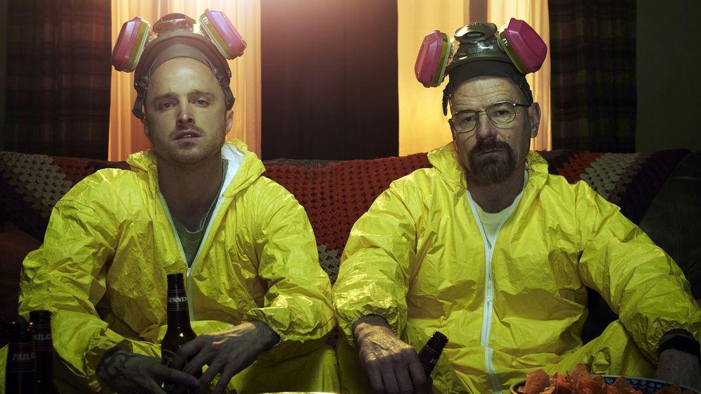 Foto: Aaron Paul y Bryan Cranston en una imagen promocional de 'Breaking Bad'. (AMC)