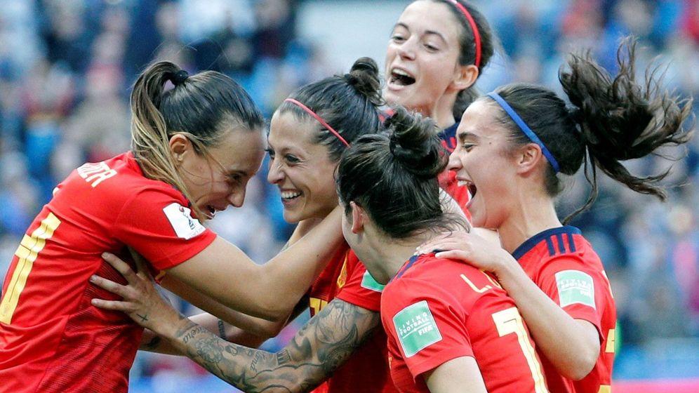 Foto: Las jugadoras de España en su partido contra Sudáfrica. (Efe)