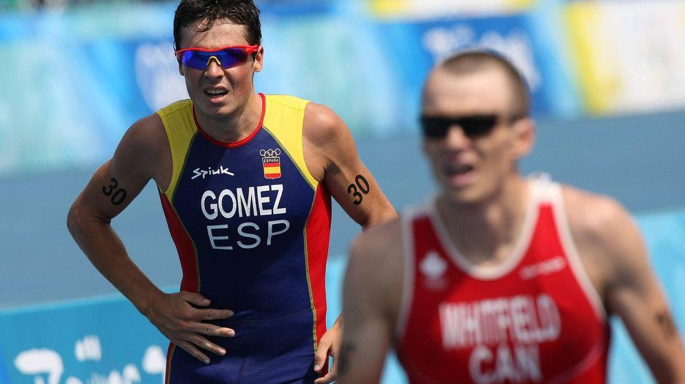 Foto: Javier Gómez Noya, durante una prueba de triatlón (EFE)