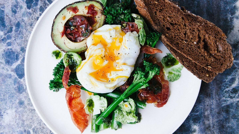 Una dieta equilibrada es la base de todo plan de adelgazamiento (Chris Ralston para Unsplash)