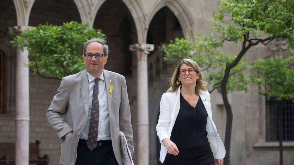 Foto: Quim Torra y Elsa Artadi en el Palau de la Generalitat. (EFE)