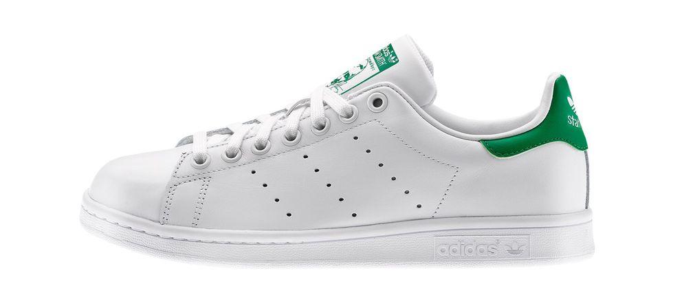 sale retailer a649b 7e03b guia-basica-para-combinar-tus-zapatillas-blancas.jpg