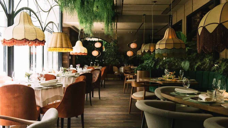 Gastronom a abiertos en agosto restaurantes de madrid a for Restaurante el jardin madrid