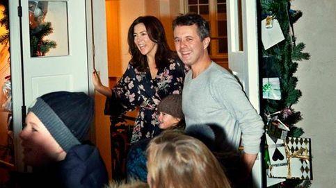 En pijama y con la cara lavada: así celebran Federico y Mary sus bodas de cobre