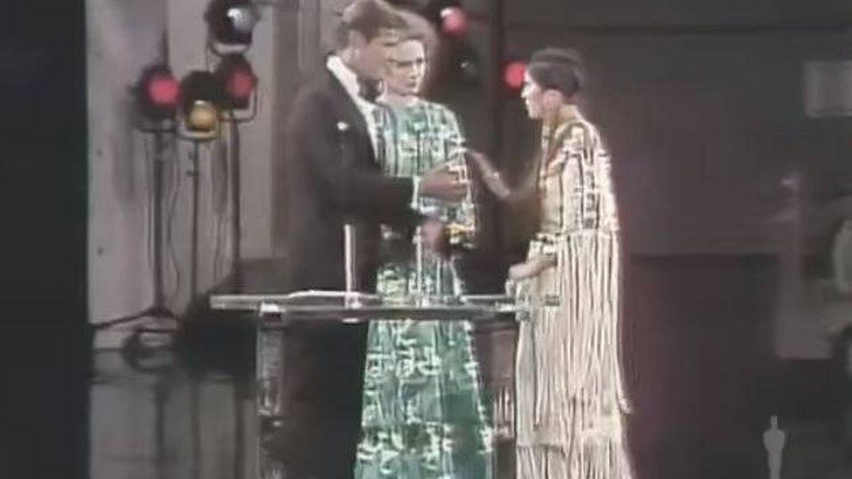 Marlon Brando no aceptó su Oscar en 1973 por el trato a los indios americanos en la industria del cine