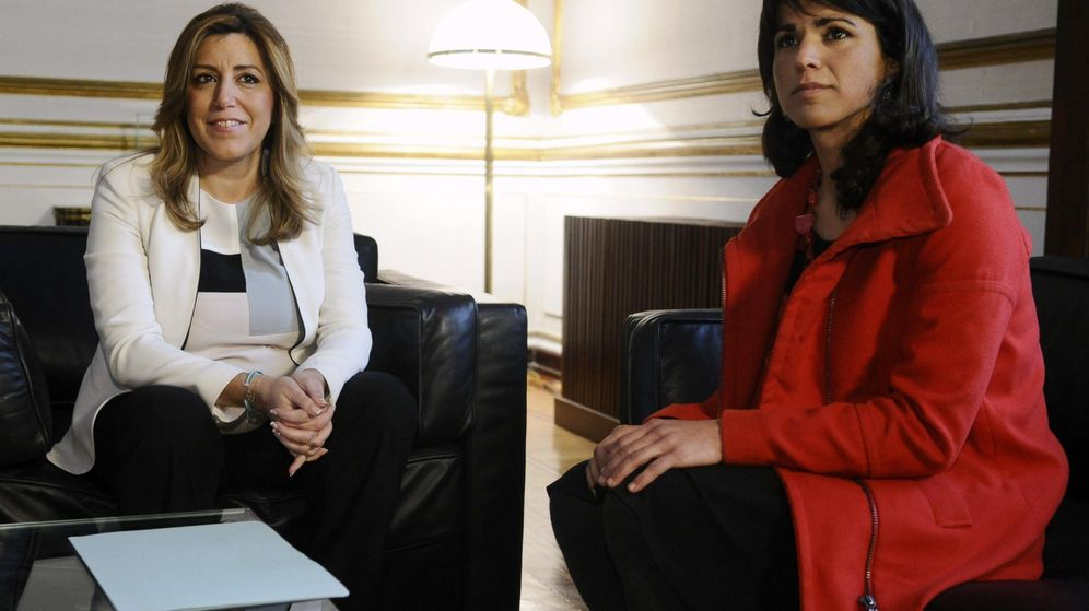 Foto: Susana Díaz y Teresa Rodríguez, durante la ronda de negociaciones. (EFE)