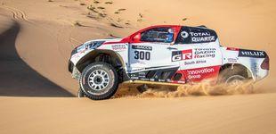 Post de Así pasa las dunas Fernando Alonso con el Toyota del Dakar