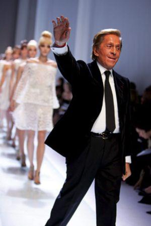 Cuelga la aguja tras 45 años en el mundo de la moda