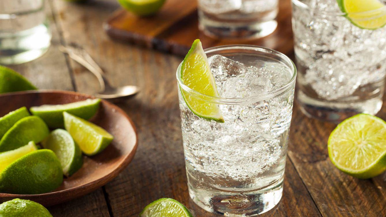 ¿Debes mezclar las copas con refresco 'light' para no engordar?