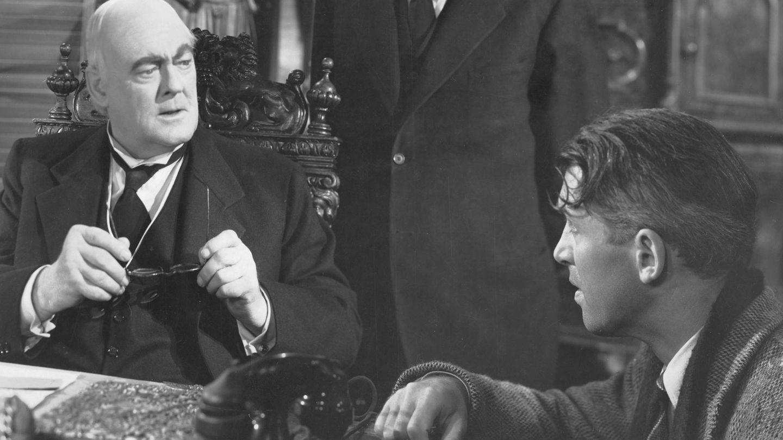 Lionel Barrymore, junto a James Stewart en '¡Qué bello es vivir!'. (CP)