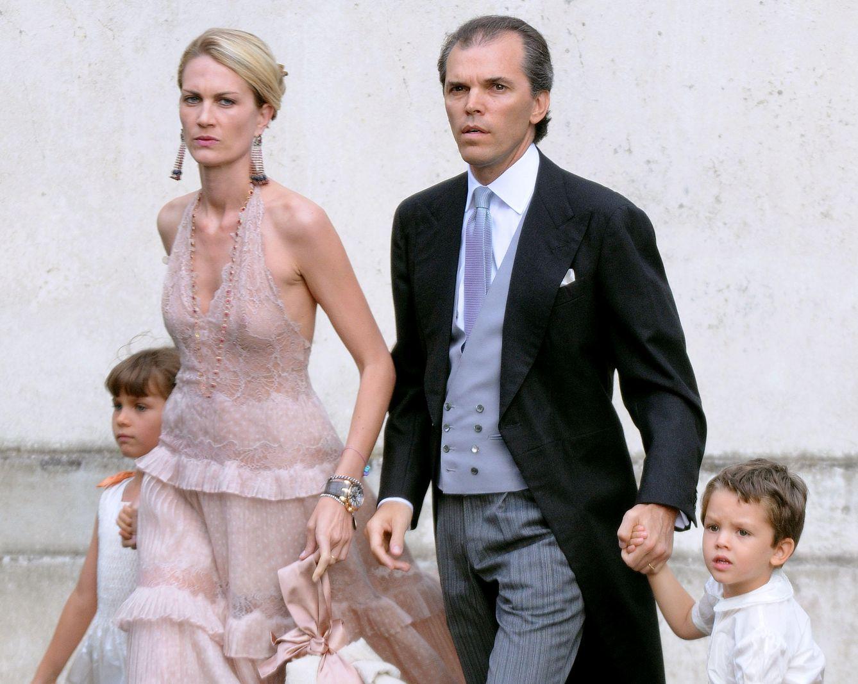 Isabella Borromeo con su familia